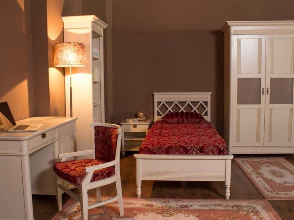 Mobila la comanda canapea si mobila preturi paturi for Camera roma